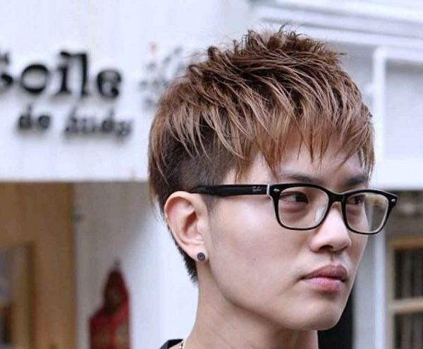 Kiểu tóc moi layer nhuộm nâu trầm cho vẻ ngoài ấm áp, trẻ trung. Ảnh: Internet