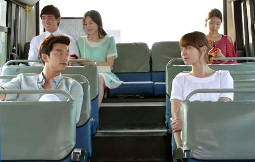 Tán gái trên xe buýt đỉnh